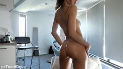MissAlice_94 – Full Body Oil Show with Closeups