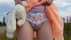Lumi Overflows her Pull-Up Diaper on Roadside