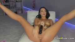 Oozing Hot Babe Dildos Her Cunt