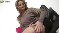 Sexy MILF hungry for a good fuck