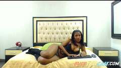 Phat booty ebony chubby milf chatting on the webcam and showing her ass