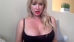 Stifler mom lookalike girl showing huge titties