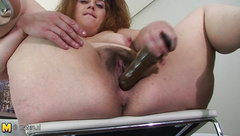 Amateur mother loves to show her horny style
