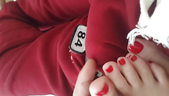 Cute yng gf's sexy feets red toes on my bulge
