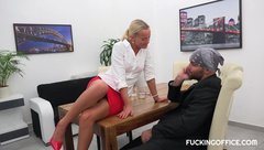 Victoria Pure - Victoria Pure Seduced Her Colleague (08.12.2017)