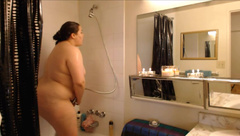 Kiki PlumpAss Quick Bbw Spy Shower in private premium video