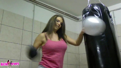 Aische Pervers Balloon Workout in private premium video