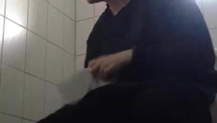 Ex-Flatmate pissing (hidden cam)