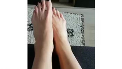 6 5' Tall white blonde girl Big Feet size 15 Europe- @Longfeetlady on Instagram (long toes , soles)