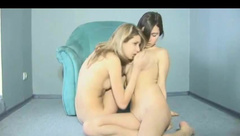 TEENAGERS  SHARING A DOUBLE DILDO