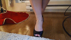 Missbehavin26 First Foot Fetish Barefoot In Leather in private premium video