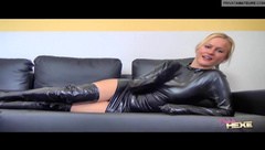 BlondeHEXE - BALL-TORTURE-2