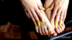 Arwen Datnoid - nail tapping and painted toes