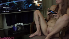 Gamer Girl 420! 18 Year old Smokes a blunt while playing Black Ops 4 Naked!