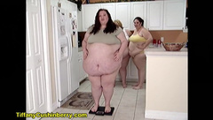 3 Fat Girls Weight in - who Weighs the Most? BBW vs 2 SSBBW Feedee